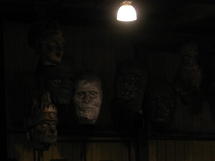 These don't have anything to do with the Trojans...they're just some spooky heads hovering around without a float
