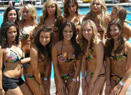 song-girls-swim-w-mike-2009.jpg