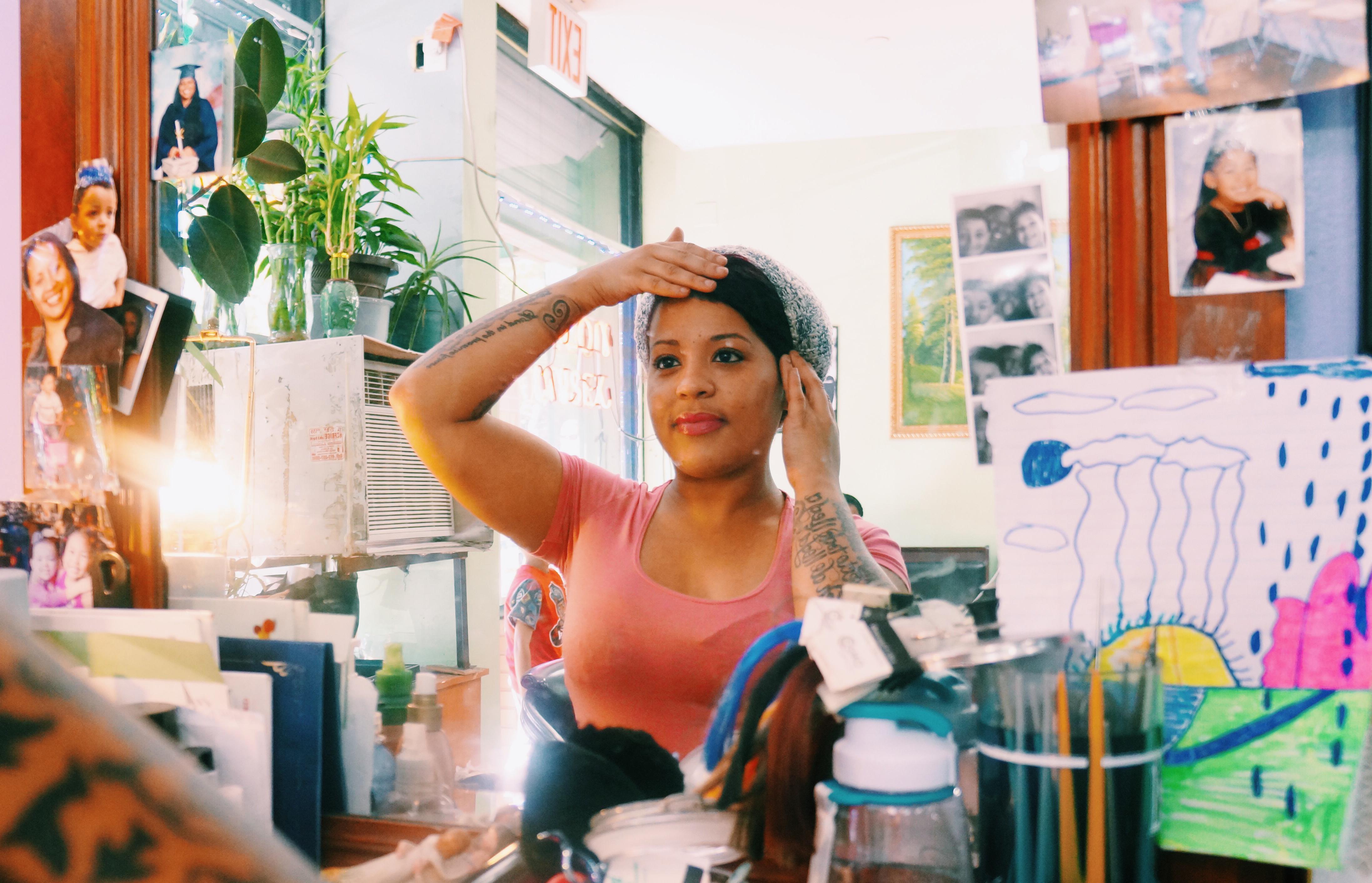Cabello rizado o no, para las dominicanas es un símbolo de identidad.