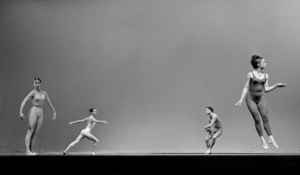 VIOLA FARBER, CAROLYN BROWN, MERCE CUNNINGHAM AND BARBARA LLOYD (FROM LEFT) PERFORMING SUITE FOR FIVE, 1963