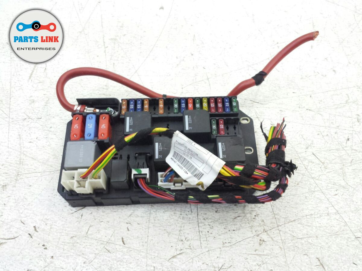 medium resolution of  range rover l322 rear load electrical relay fuse box junction block oem image 1