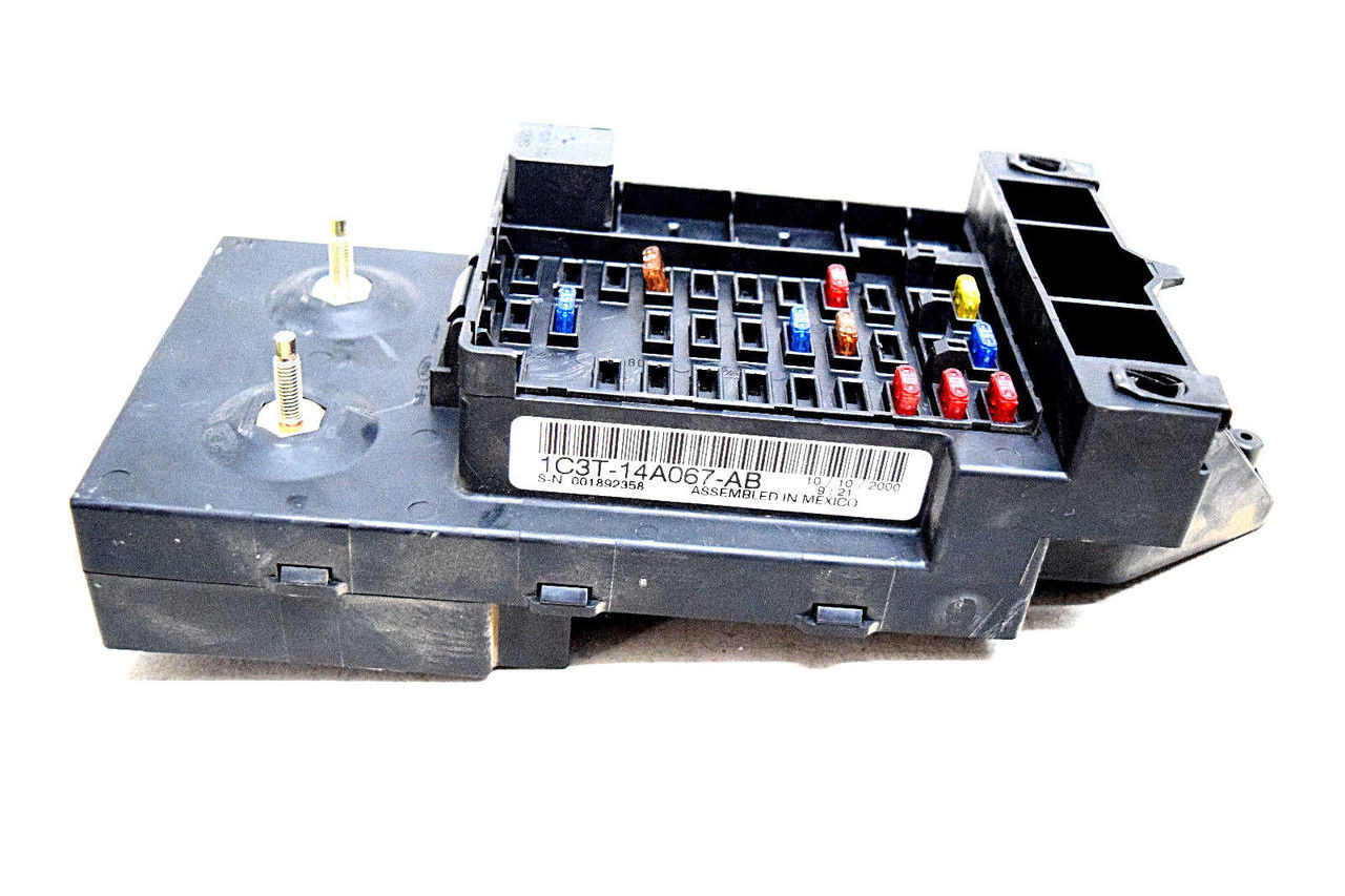 hight resolution of 99 00 01 ford f250 f350 underdash fuse box relay center oem 1c3t14a067ab price 149 99 http i ebayimg com 00 s mta2nlgxnjaw