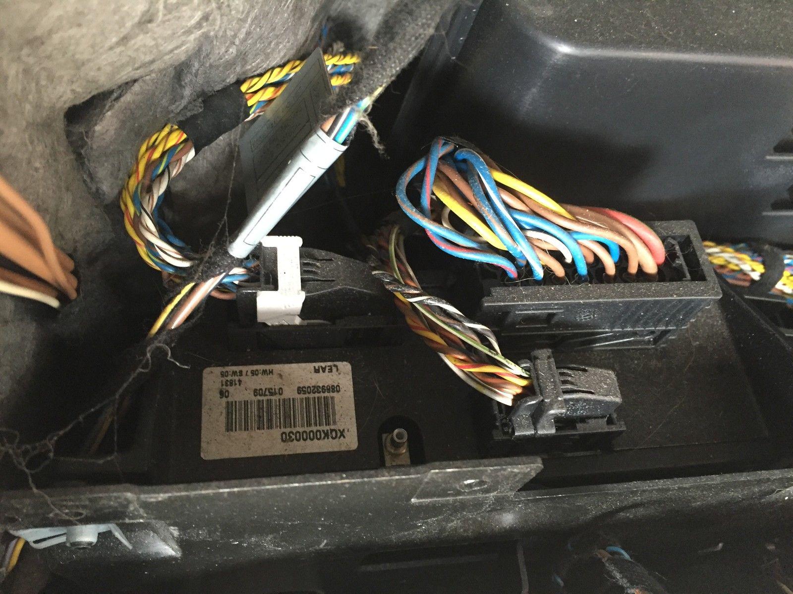 here is your factory amplifier  [ 1600 x 1200 Pixel ]
