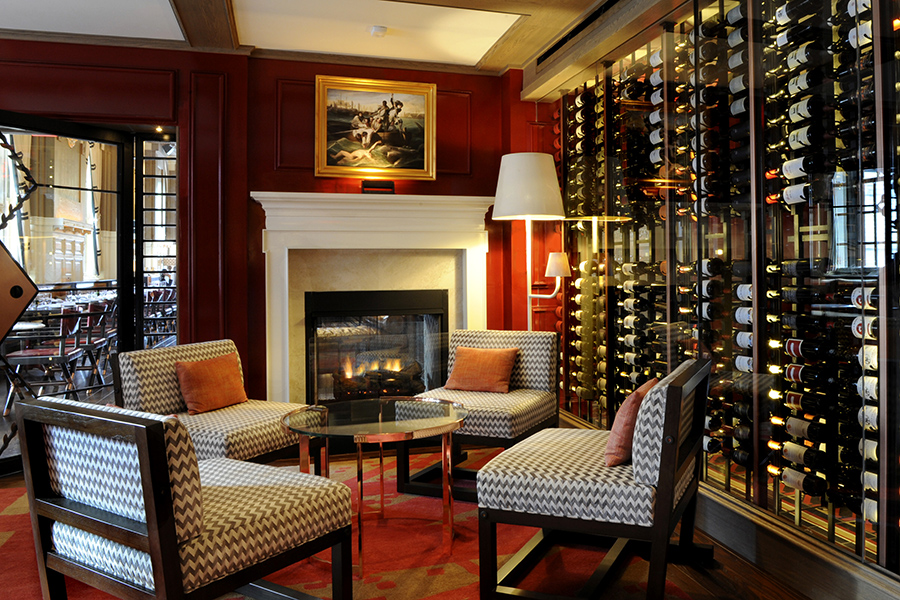 35 Boston Restaurants and Bars with Cozy Fireplaces