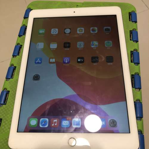 iPad 五代 128GB 銀色 - DCFever.com