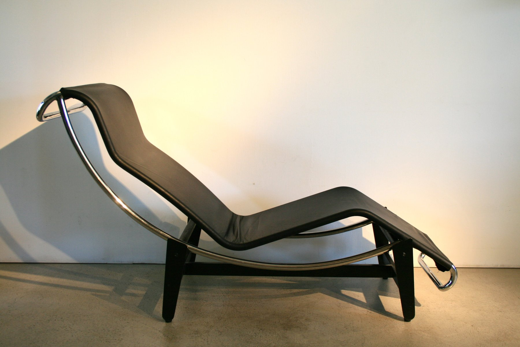 corbusier lounge chair ava slipcovered and a half vintage lc4 by le for wohnbedarf