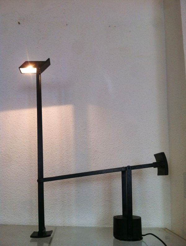 Tizio Desk Lamps by Richard Sapper for Artemide, 1972, Set of 2 for sale at Pamono