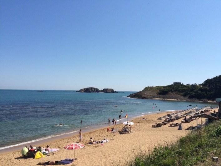 شاطئ ريفا ايلماس بورنو في مدينة السياحة إسطنبول Riva Elmas Burnu Plaj – İstanbul | تركيا - ادويت
