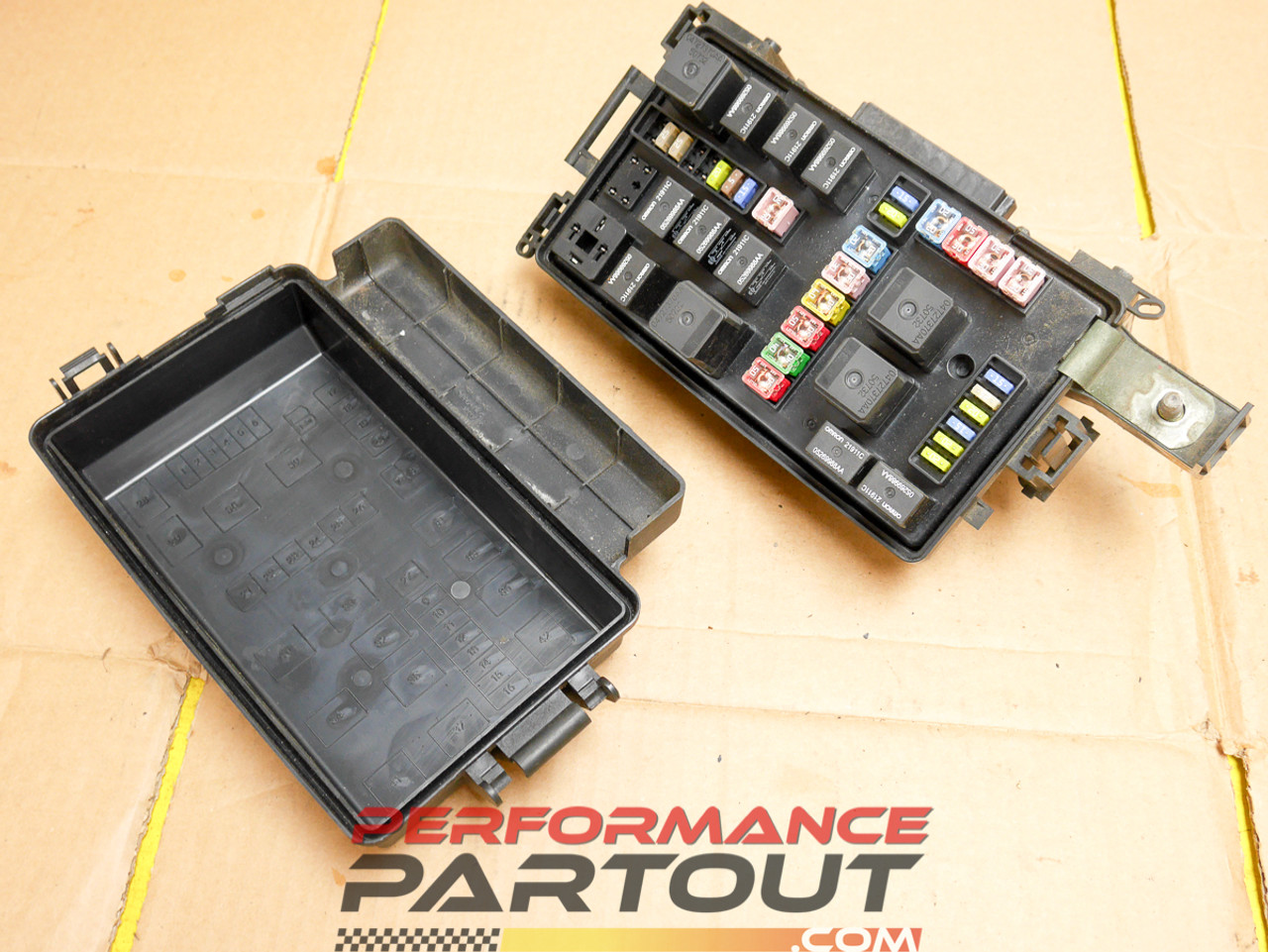 medium resolution of for a chrysler 300 front fuse box