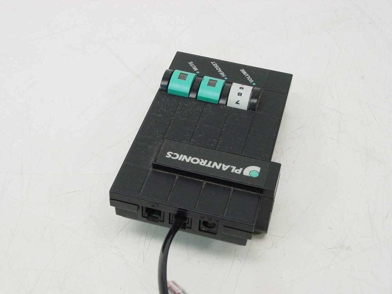medium resolution of  plantronics headset telephone to headset adapter m10
