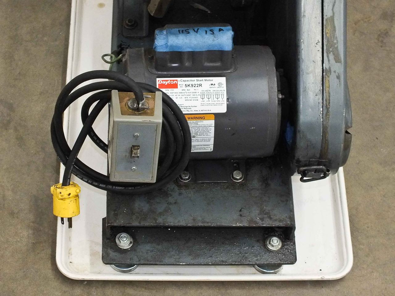 welch 1397 duo seal 2 stage vacuum pump with motor  [ 1280 x 960 Pixel ]