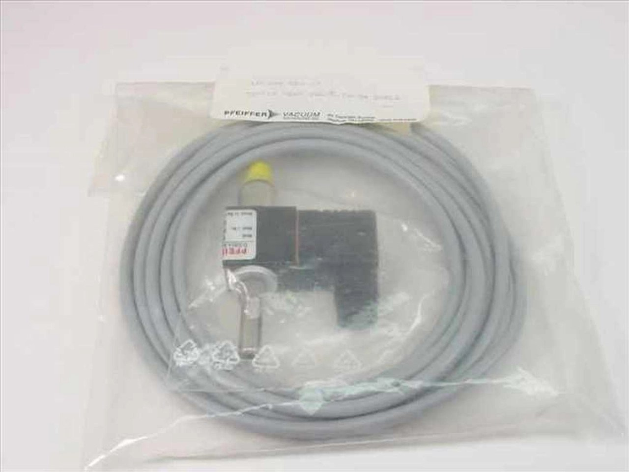 medium resolution of pfeiffer vacuum up 024 020 t tsf012 vent valve w th 3m cable recycledgoods com