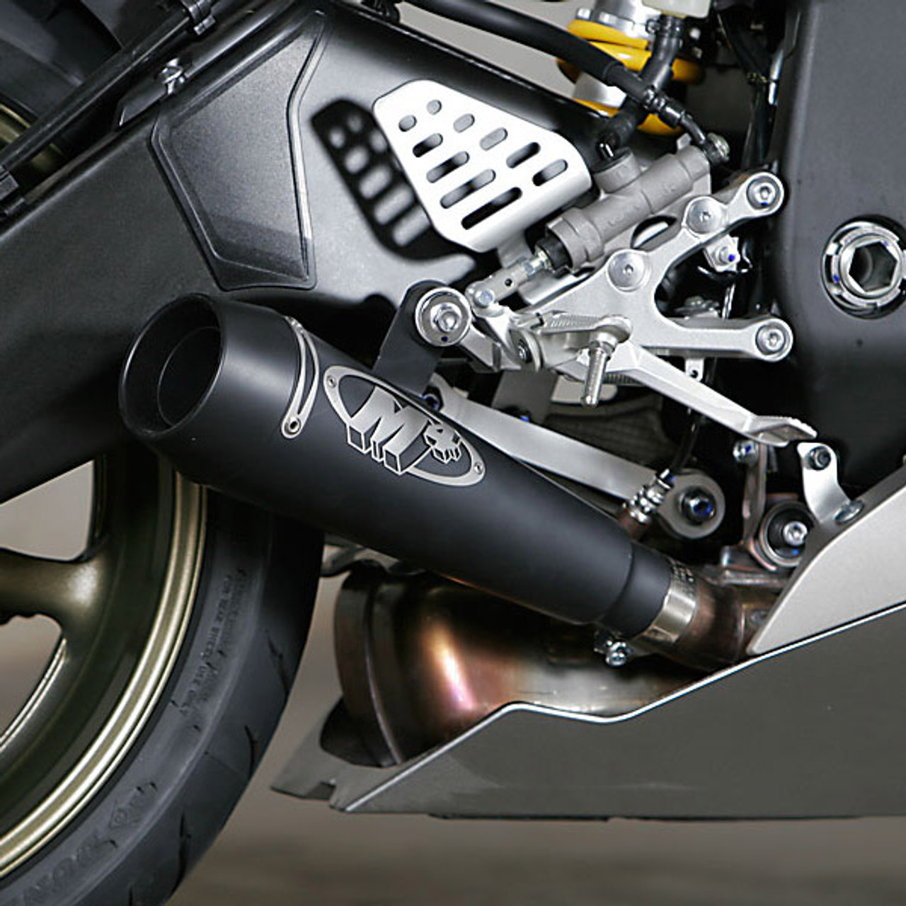 m4 yamaha yzf r6 06 19 gp slip on exhaust black satin canister [ 1280 x 1280 Pixel ]