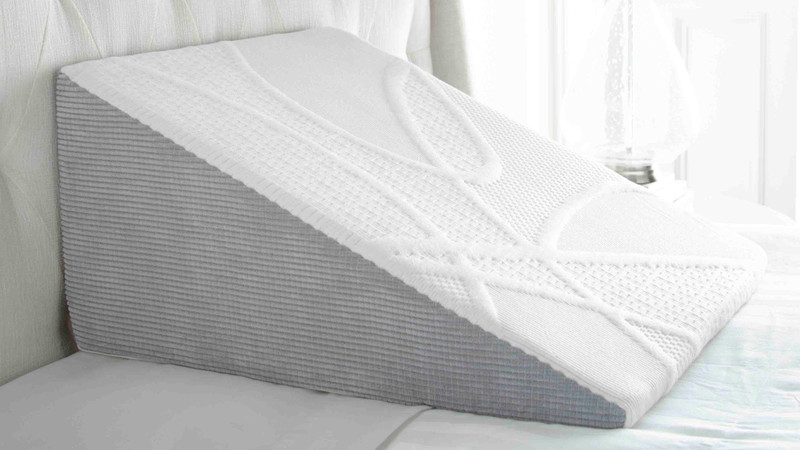 5 benefits of bed wedge pillows and