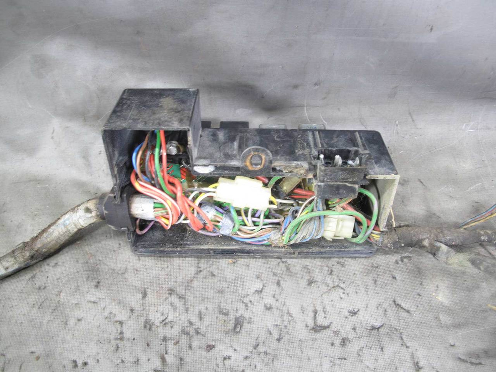 small resolution of  under hood main fuse box junction w pigtails img 1978 1980