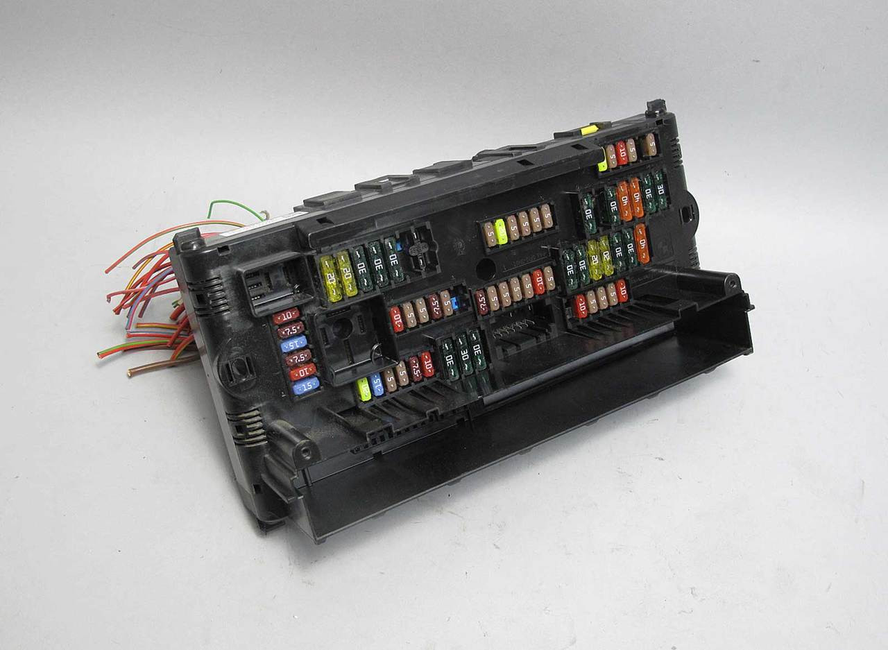 bmw f10 5 series f01 early front dashboard fuse distribution electrical box wire [ 1280 x 937 Pixel ]