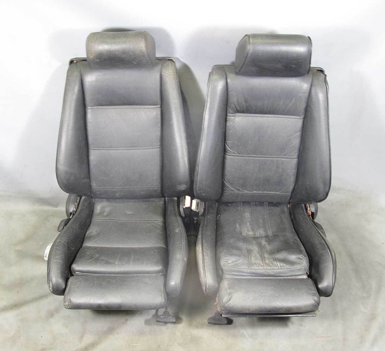 sports seats pair black leather used img bmw  [ 1280 x 1168 Pixel ]