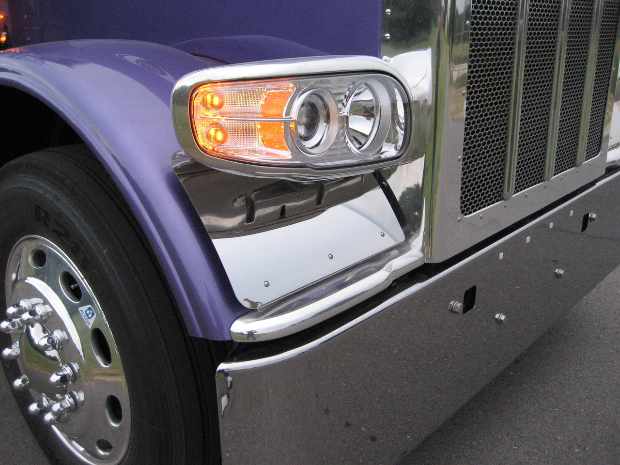 small resolution of peterbilt 389 388 fender guards a822004