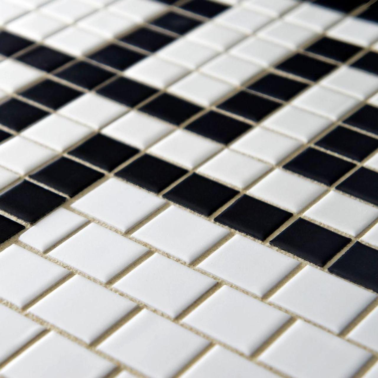 metro greek key matte white and black