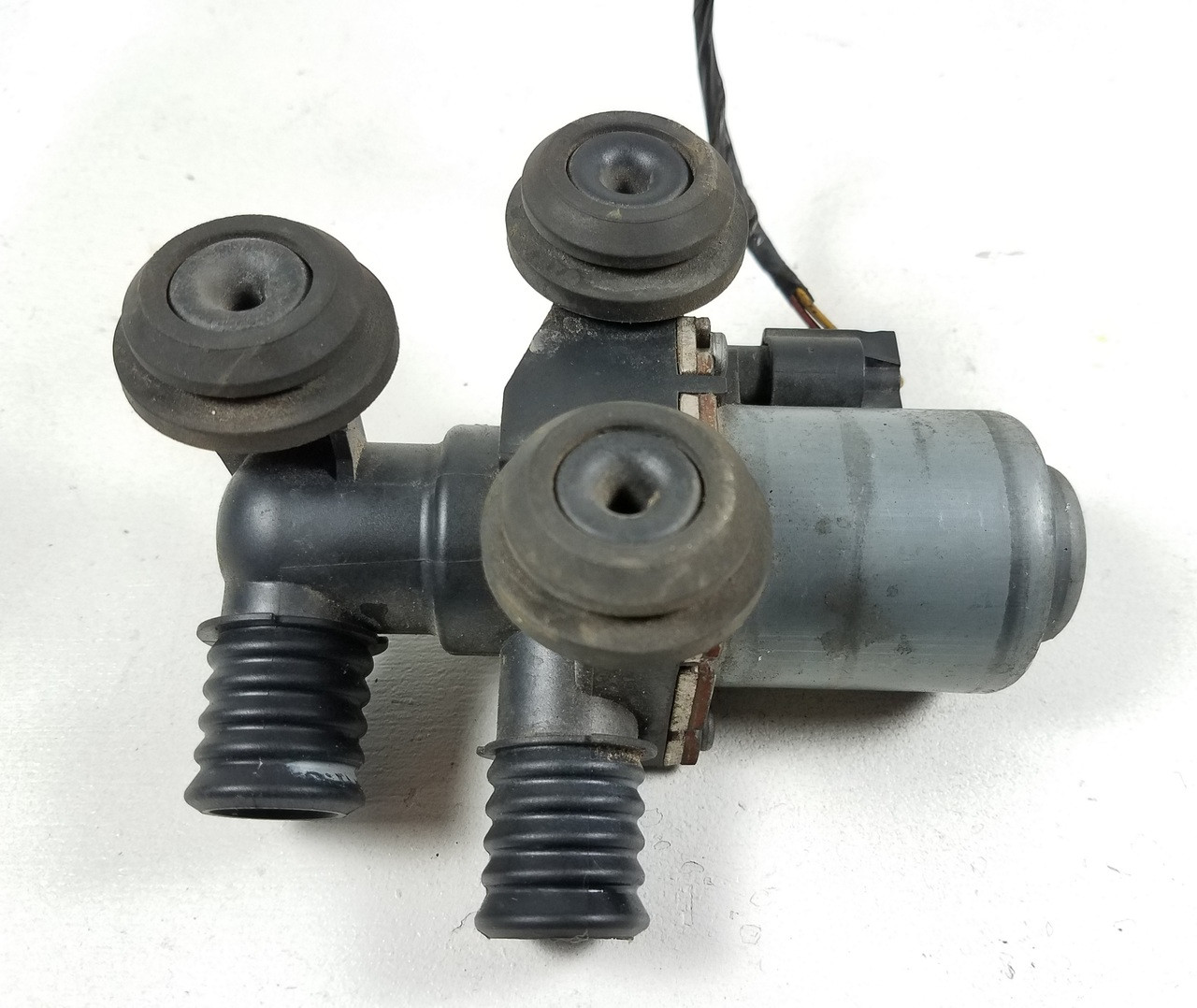 small resolution of bmw e46 330 325 coolant heater pump valve 8369805
