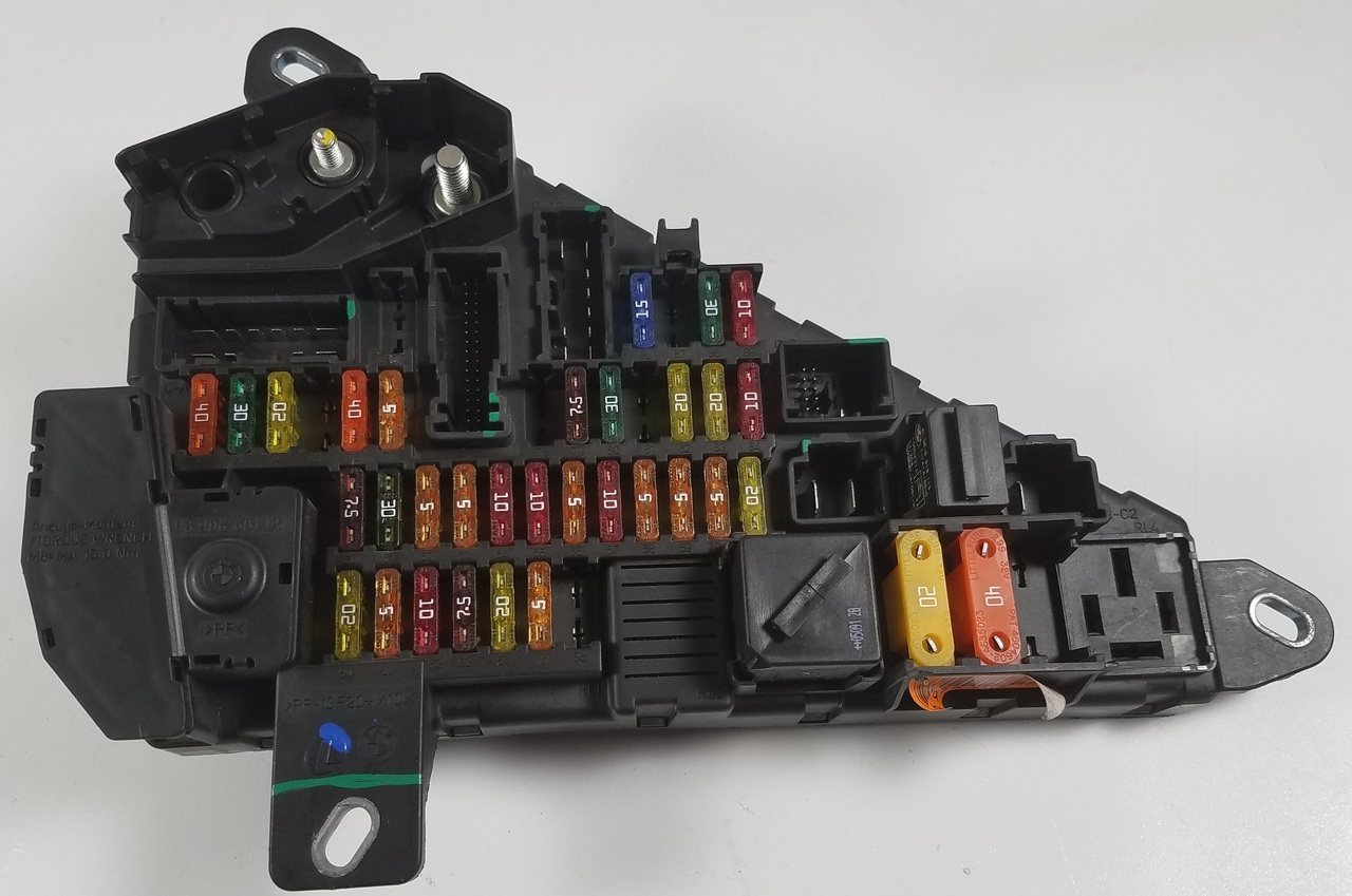 medium resolution of bmw e60 550i 530i 525i rear trunk power distribution fuse panel 6906601