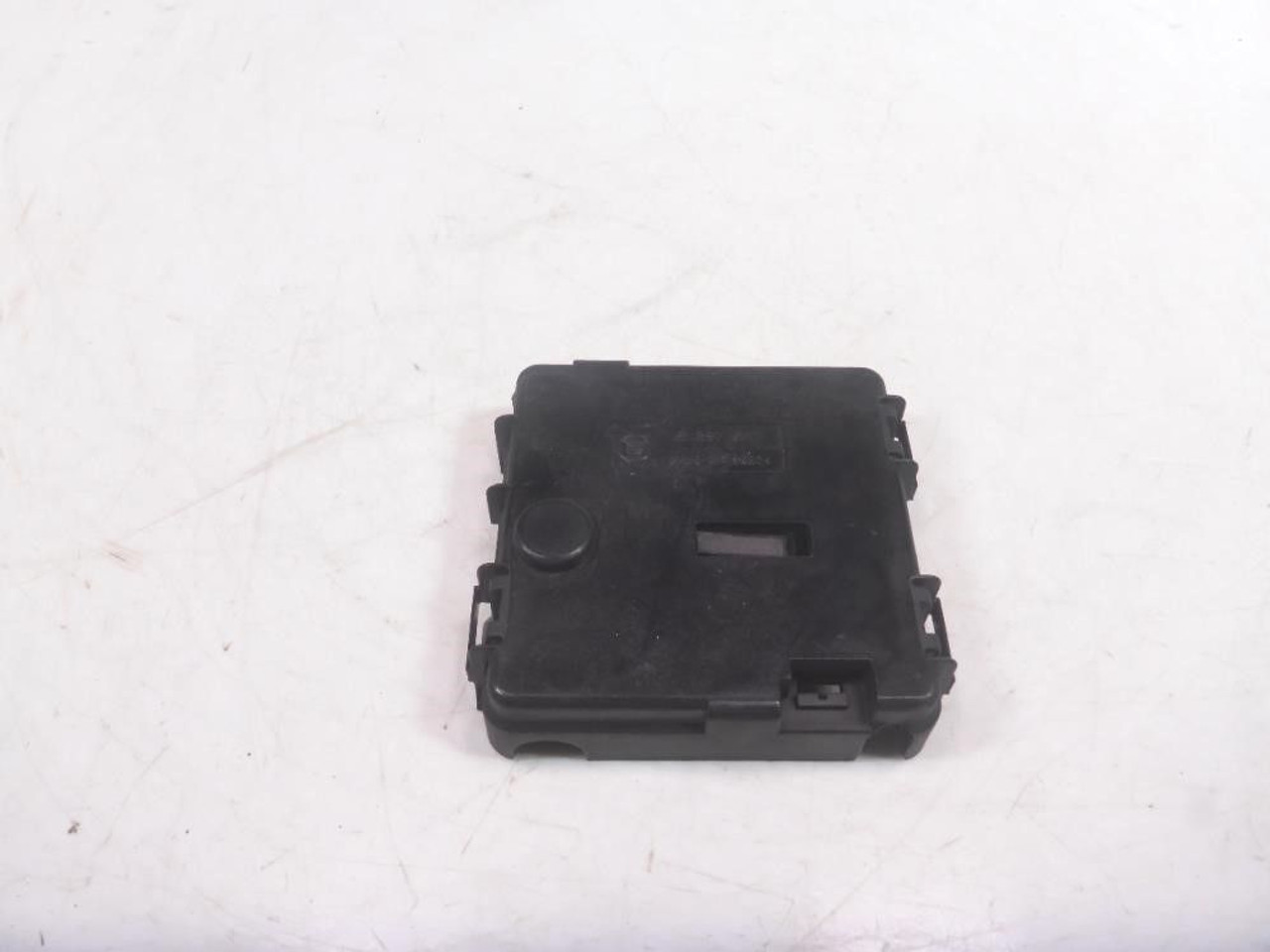 hight resolution of 05 bmw x3 e83 trunk fuse box trop cover 8387547