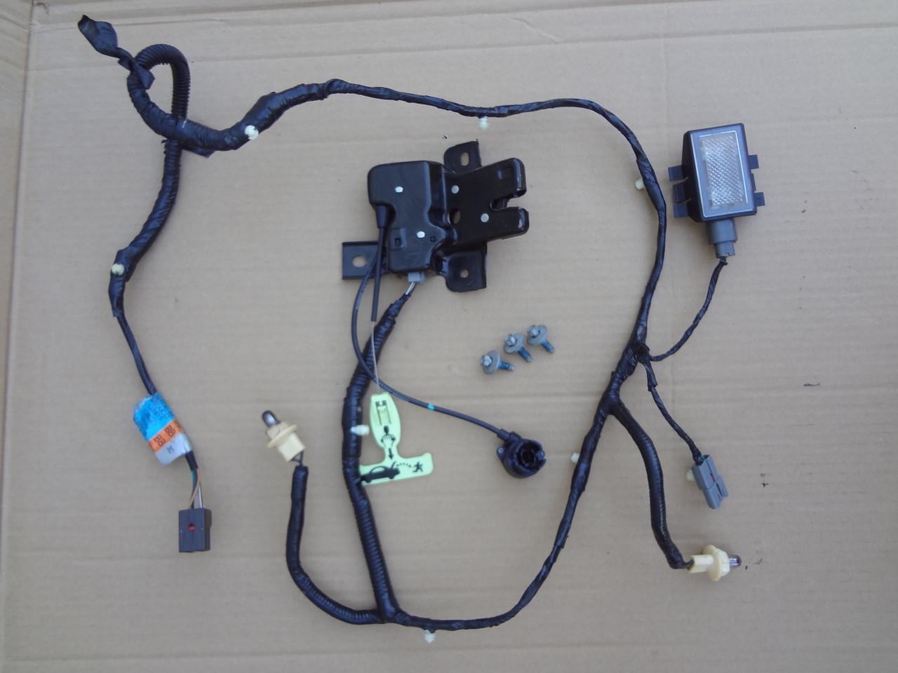 medium resolution of 2003 2004 mustang cobra trunk latch light wire harness 3r3v 14290 g2816