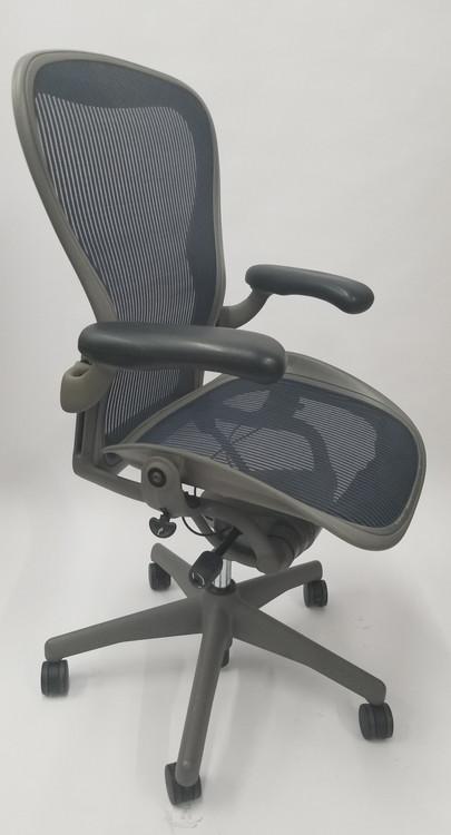 herman miller chair sizes papasan double frame aeron size b gray base navy mesh with lumbar