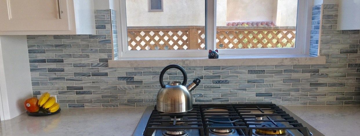 glass mosaic tile backsplash kitchen