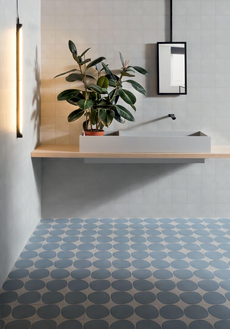 futura drop blue 15 tile space