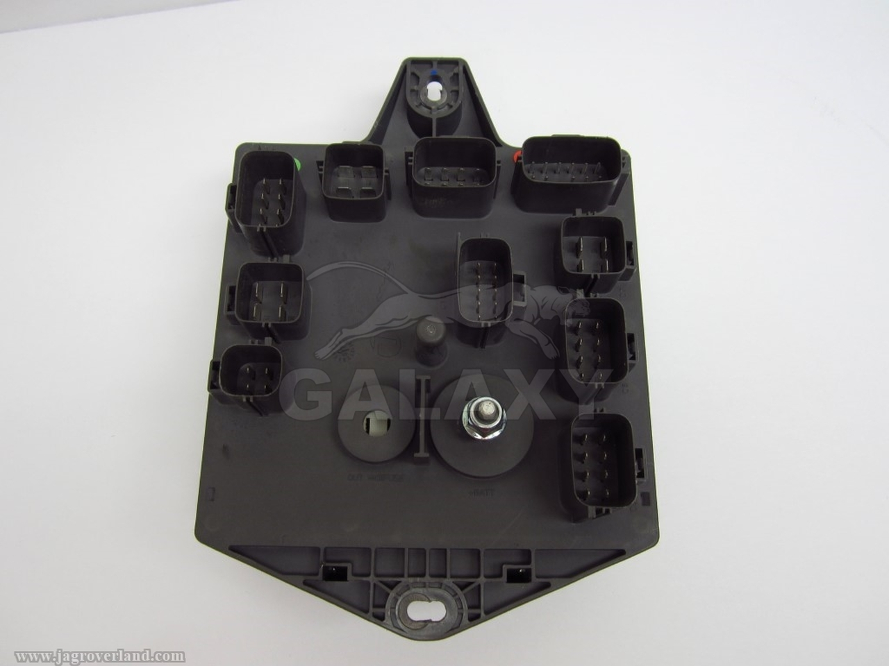 small resolution of  08 09 xj8 xjr rear trunk mounted fuse and relay box oem c2c34455 7w93