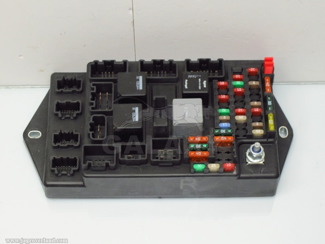 07 09 xk r rear central junction fuse box 6w83 14a073 ch c2p20669  [ 1024 x 768 Pixel ]