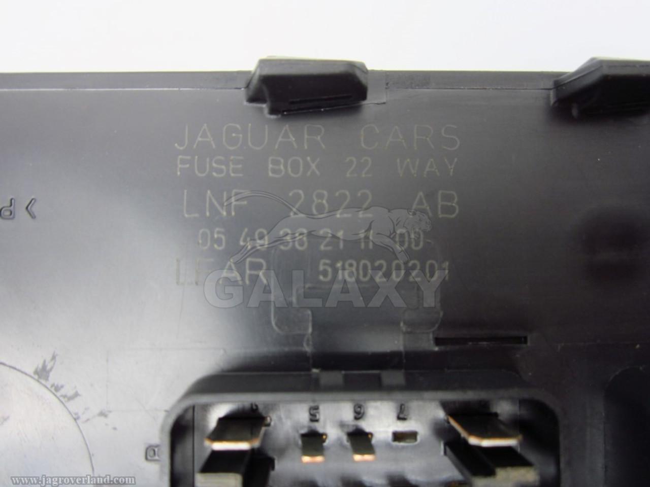 98 03 xj8 trunk mounted rear fuse box module lnf2822ab [ 1280 x 960 Pixel ]
