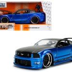 2006 Ford Mustang Gt Blue With Black Top 1 24 Diecast Model Car By Jada Livecarmodel Com