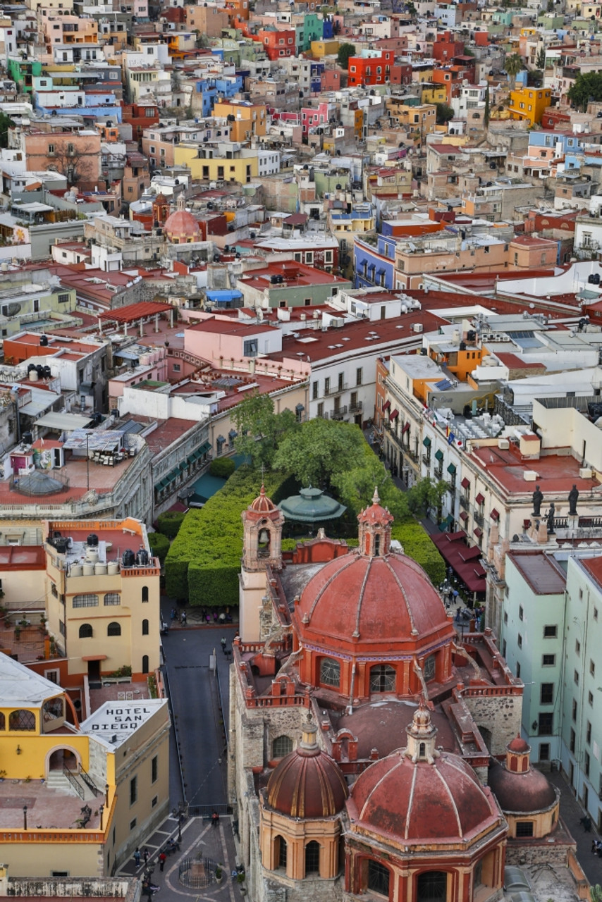 guanajuato in central mexico city overview in evening light with colorful buildings poster print by darrell gulin item varpddsa13dgu0002