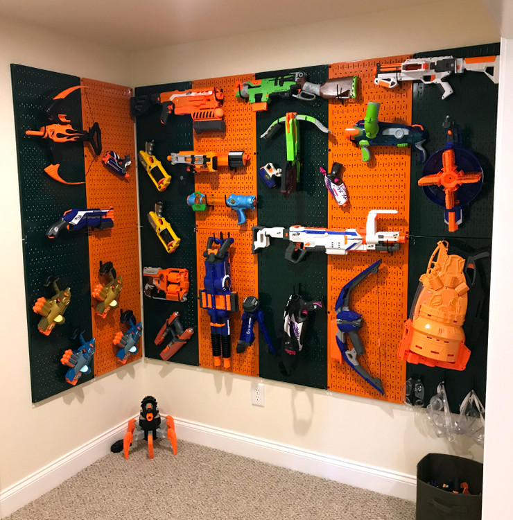 team theme pegboard toy