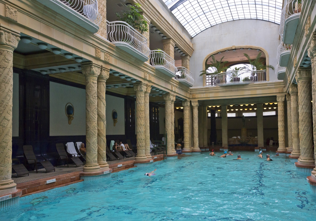 Piscine Paris  notre top 10 des meilleures piscines de Paris  Elle