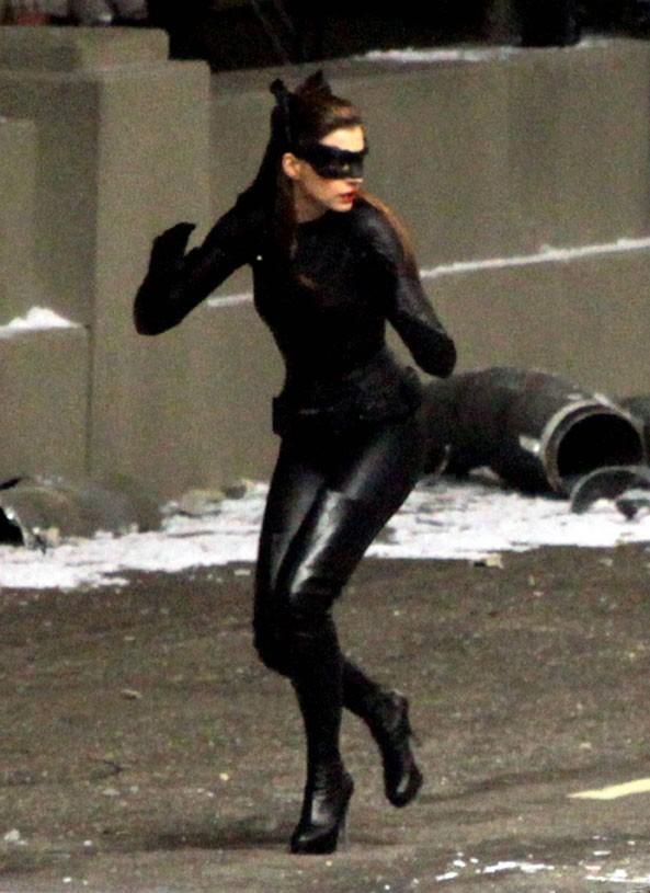 Anne Hathaway Batman Catwoman