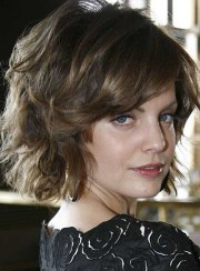 short wavy tousled hairstyles