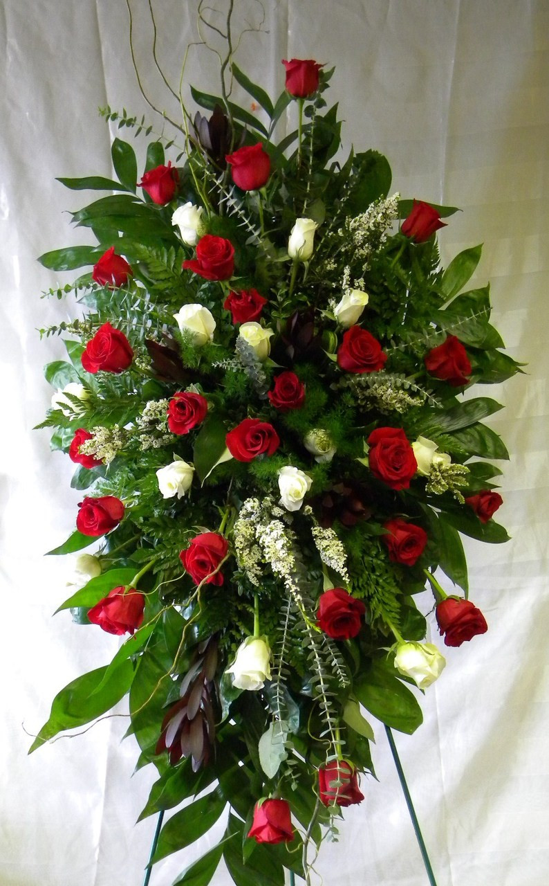 3 Dz White Rose Amp Red Rose Funeral Flowers Spray By