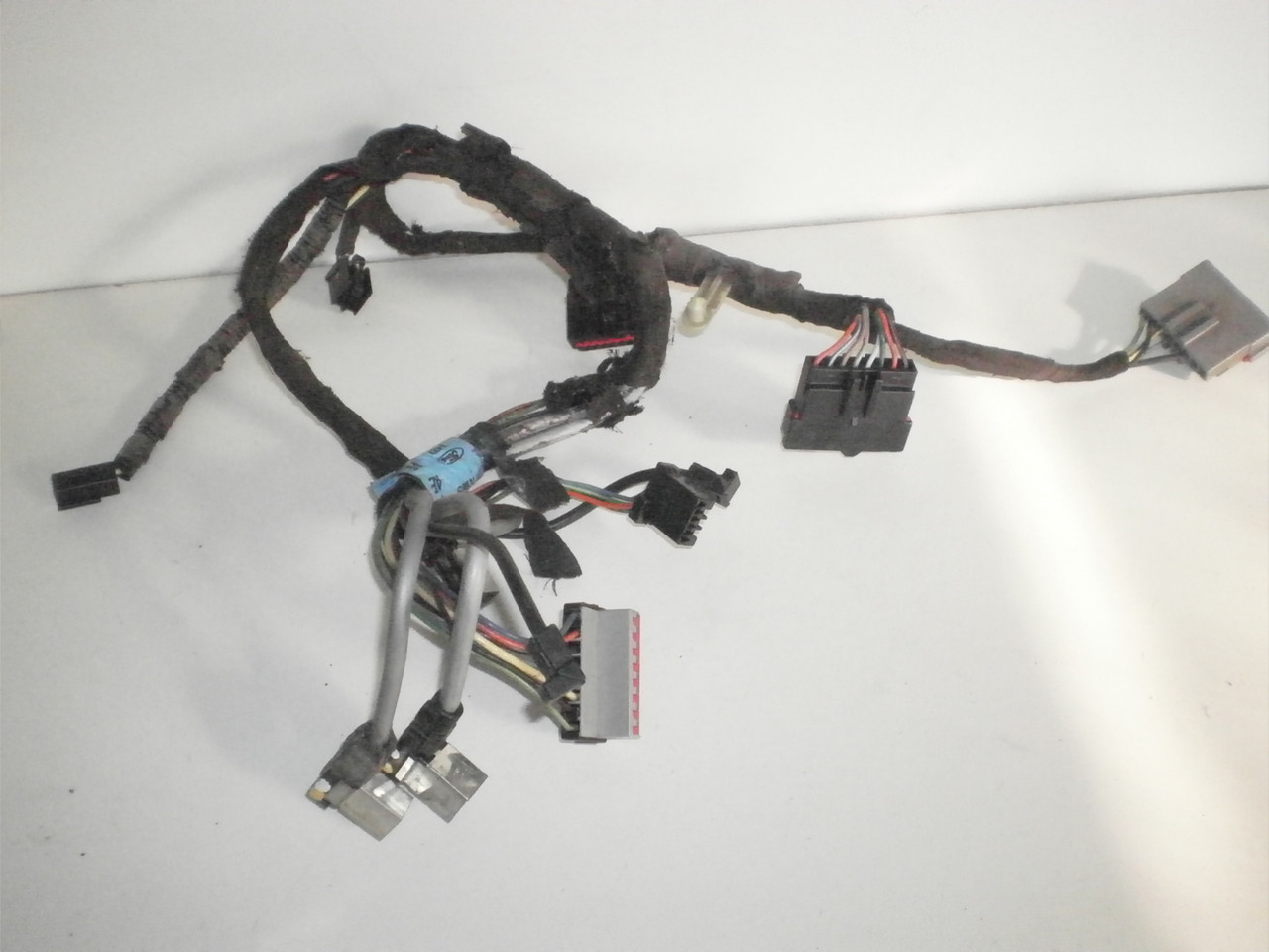 medium resolution of 1994 2004 ford mustang rear mach 460 amps amplifiers sterio1995 mustang wiring harness stereo with cd