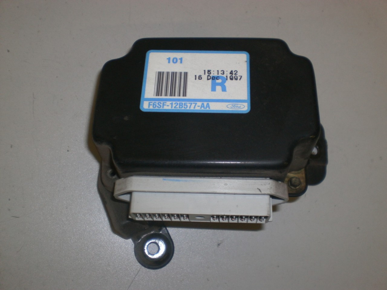 small resolution of 1996 1998 ford mustang fuel fan a c control module relay box gt lx cobra 4 6 3 8