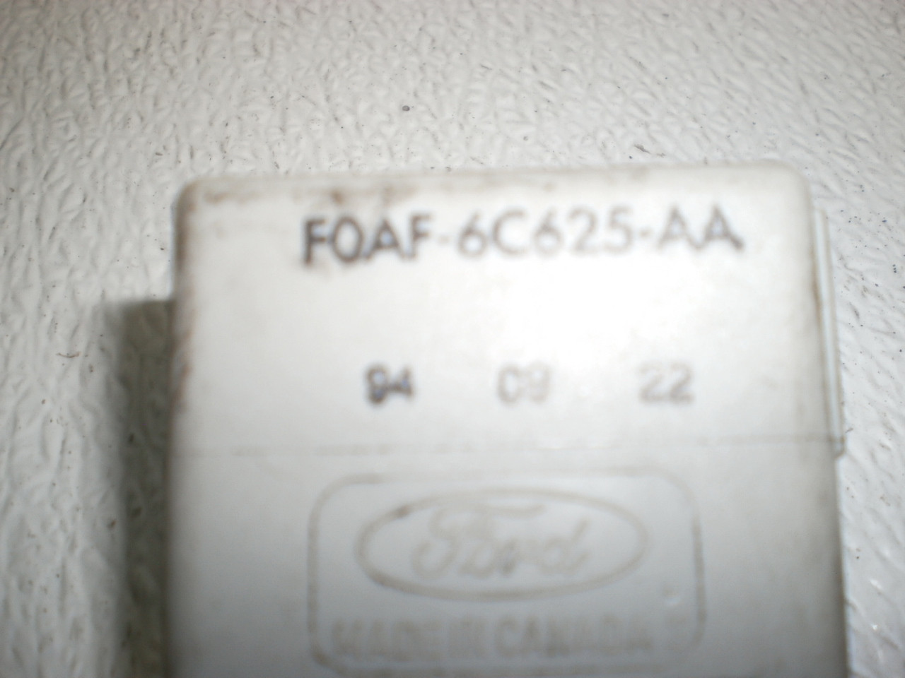 small resolution of 1994 1998 ford mustang under dash low oil level sensing module box f0af 6c625 aa