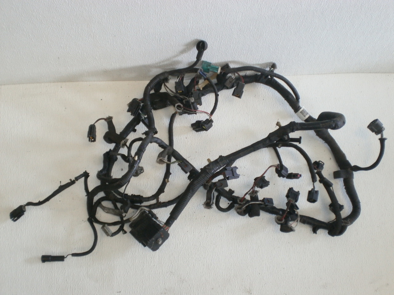 medium resolution of 1999 2001 ford mustang 4 6 sohc engine fuel injection wire harness loom xr33 9d930 larger more photos
