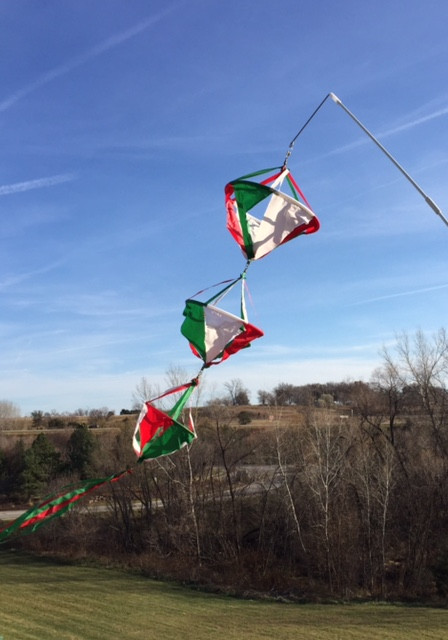 Christmas Spinnies Large RedWhiteGreen Picture Pretty Kites