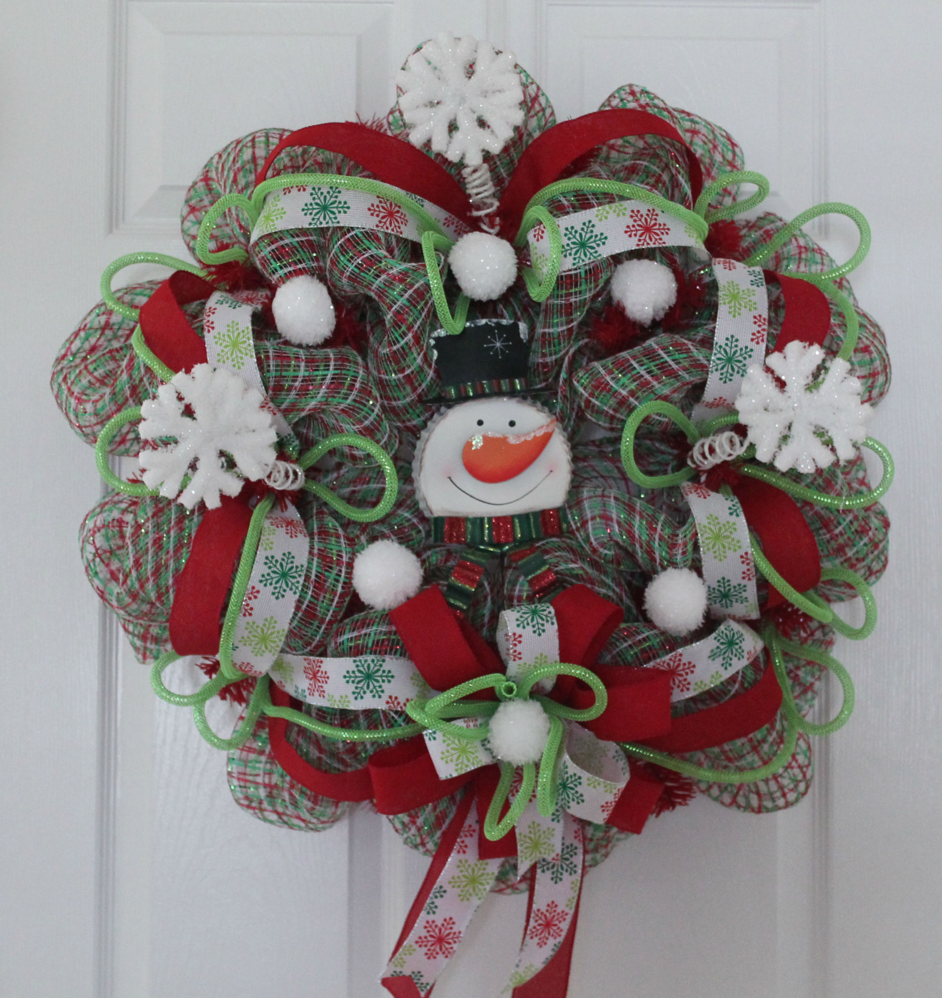DIY Mesh Christmas Wreath Baby Its Cold Outside The