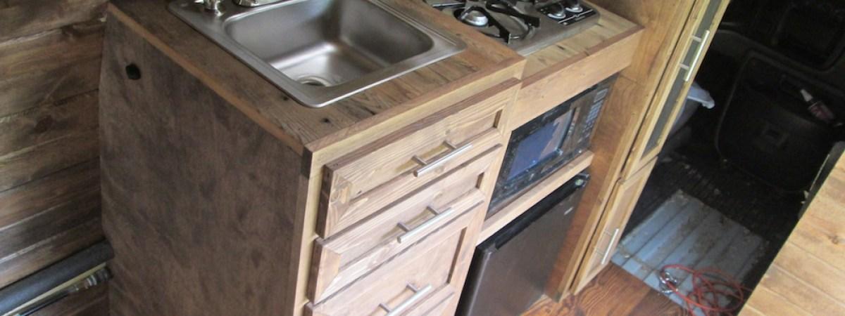 Building the Kitchen (Part 6)