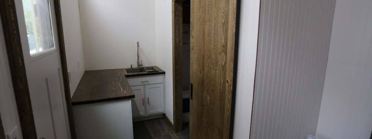 Tiny House: Sliding Door