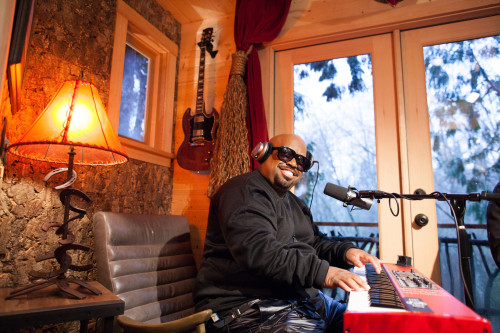 CeeLo Green stopped by the Record-High Recording Studio built by Nelson Treehouse & Supply to lay down a track.
