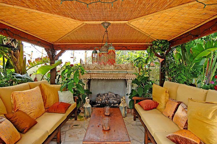 Sold Goldie Hawn Amp Kurt Russell S Malibu Home Zillow